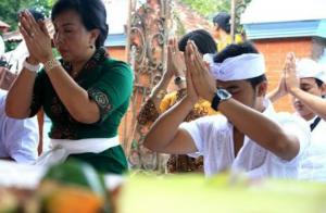 ヒンドゥー教のお祈りのやり方です。