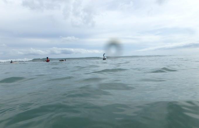 バリ島クタビーチでシュノーケルするホリ