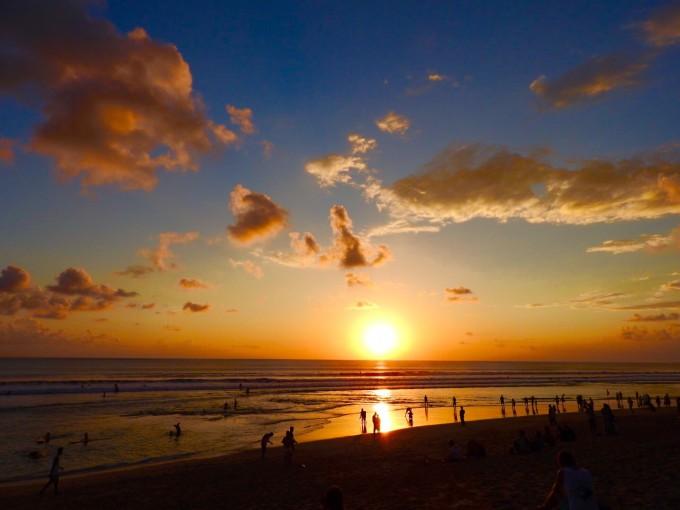 バリ島クタビーチの夕陽