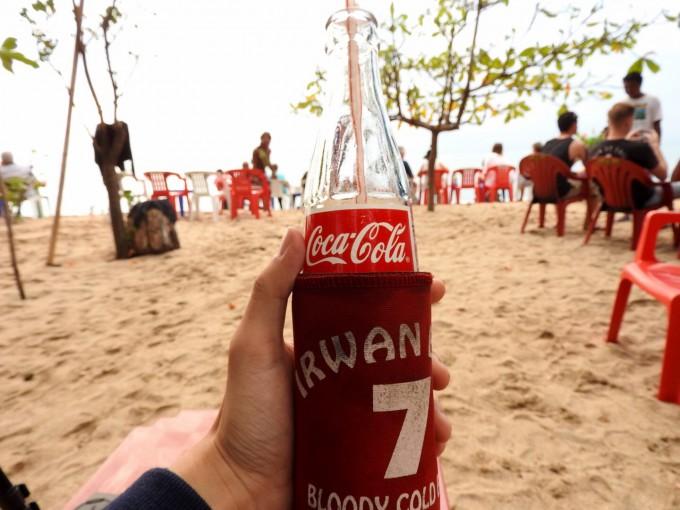コカコーラとビーチ