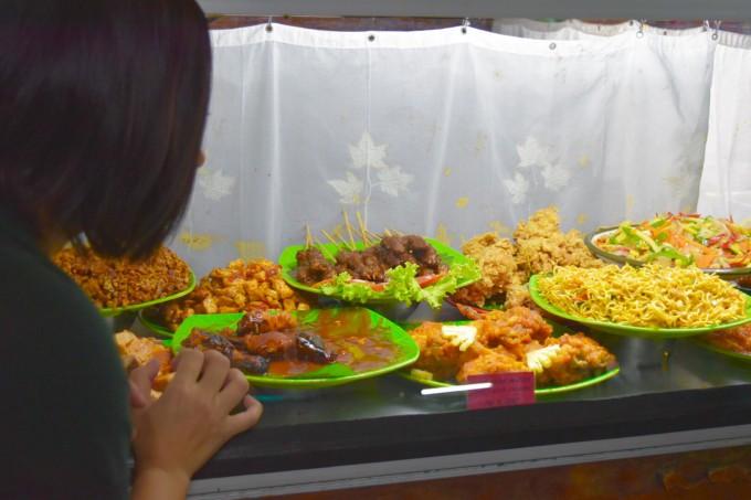 バリ島ワルンインドネシアの食材