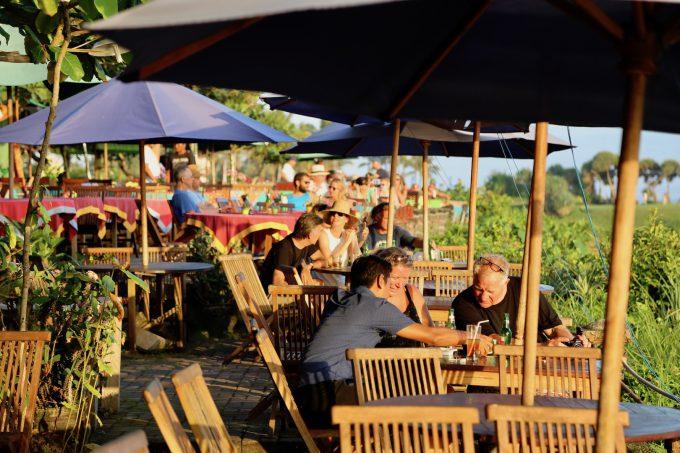 バリ島タナロット寺院のカフェ