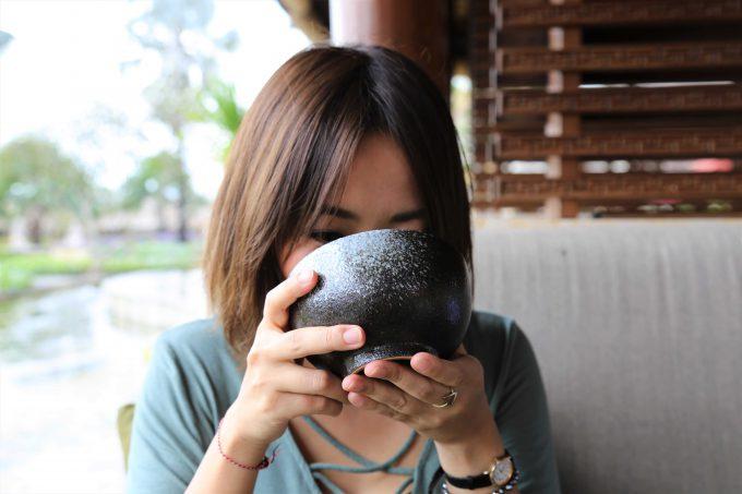 バリ島アヤナリゾート&スパバリのTSUJIRIのお茶を飲むちゃんなる