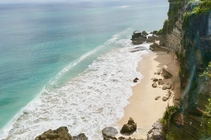バリ島アヤナのクブビーチクラブに向かう途中の景色