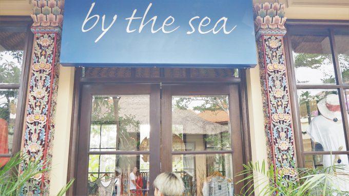 バリ島アヤナにあるby the seaの入り口