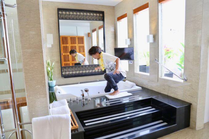 バリ島ザ・サマヤスミニャックの浴室