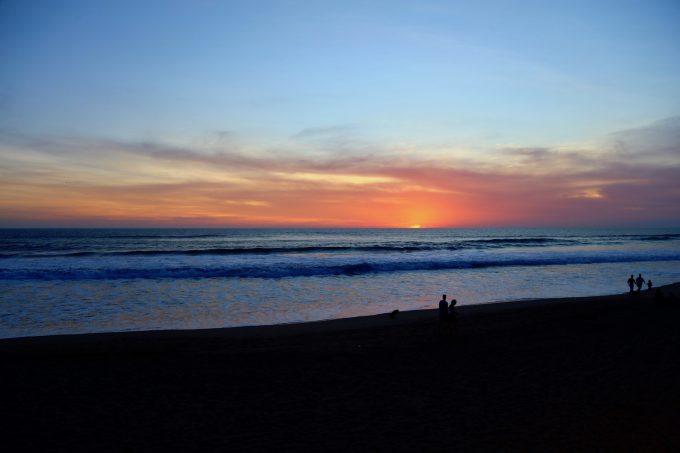 バリ島ザ・サマヤスミニャックから見える夕陽