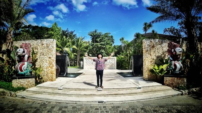 バリ島セガラヴィレッジホテルのエントランス