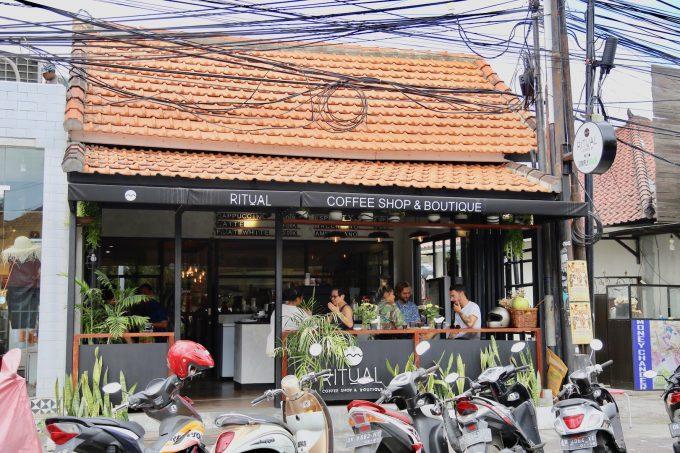 バリ島のスミニャックエリアにあるリチュアルコーヒーの外観