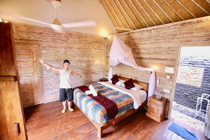 レンボンガン島のバンガロータイプの宿泊施設