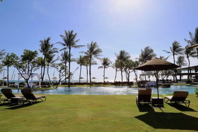 バリ島のスミニャックエリアにあるサマヤのプール