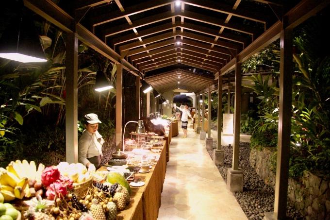 バリ島パドマリゾートウブドのディナー
