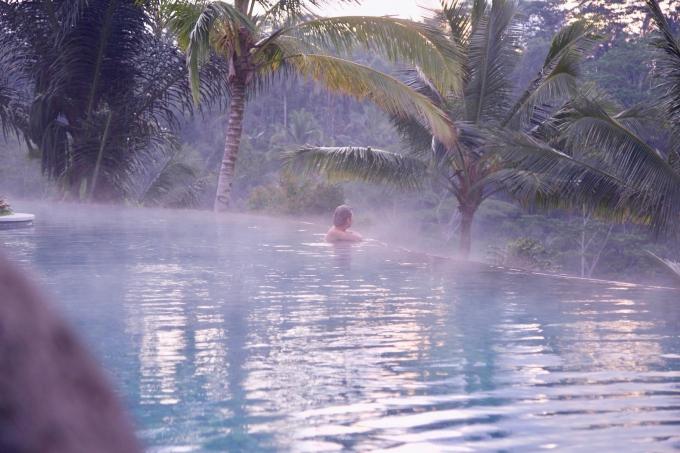 バリ島パドマリゾートウブドのインフィニティープール